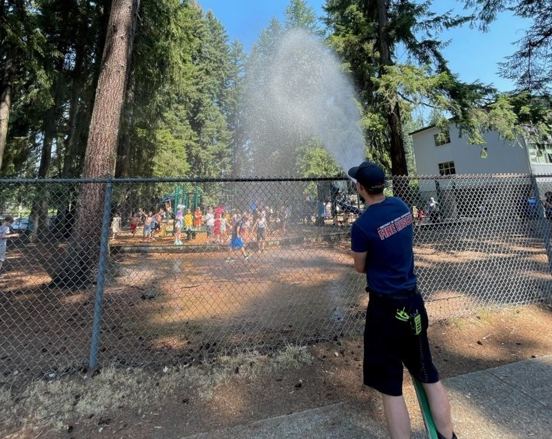 dnv-fire-and-rescue-services-cools-down-local-schools-1-(3).jpeg
