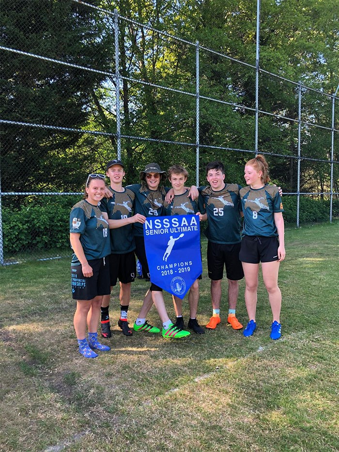 Senior Ultimate North Shore's 2019 2.jpg